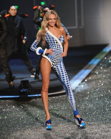Victoria's Secret Fashion Show 2009-2010