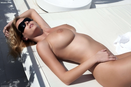 Raylene-Open bed