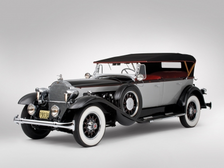 Classical American cars. Packard