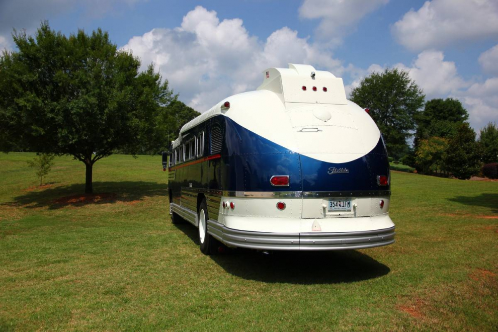 ��� �� ������� 1957 Flxible Starliner