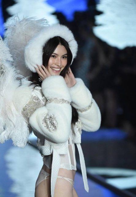 2015 Victoria's Secret Fashion Show : Ice Angels (фото + видео)